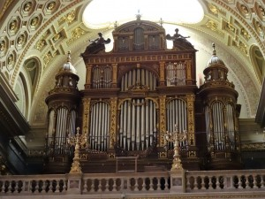 My, what a big organ